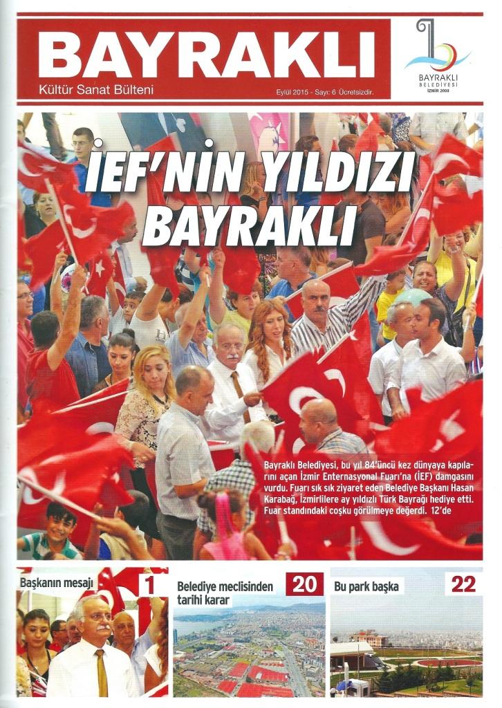 Bayraklı Belediye Başkanı Hasan Karabağ Bayrak Dağıtıyor