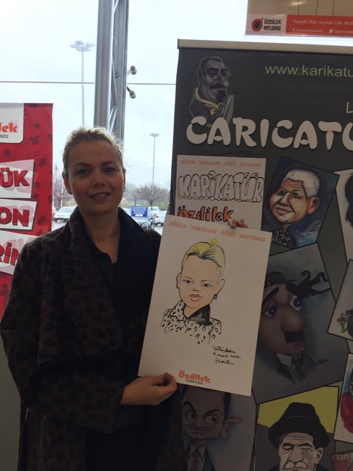 8 Mart Dünya kadınlar gününü temsilen ilk karikatür çizdiren hanımefendi.